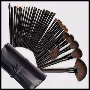 💚 Wood handle makeup brush set with bag